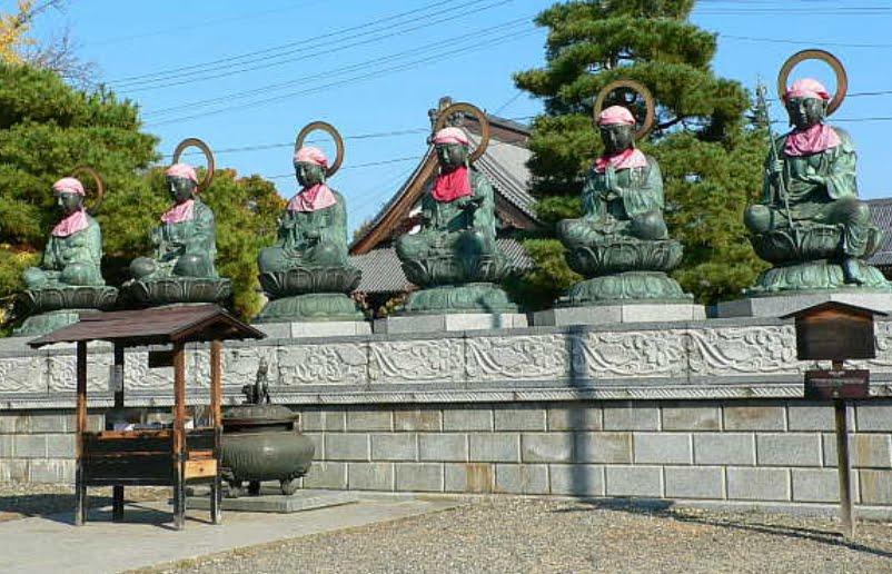 長野県善光寺「六地蔵」